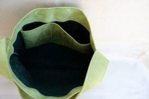 sac hobo bag suedine vert anis Aloée interieur