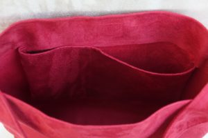 sac hobobag rouge suedine aloee interieur