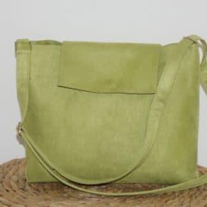 sac avec bandoulière et rabat vert anis