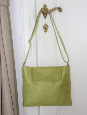 sac avec bandoulière et rabat vers anis-vue intérieure
