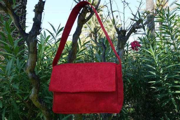 sac baguette suedine rouge aloée