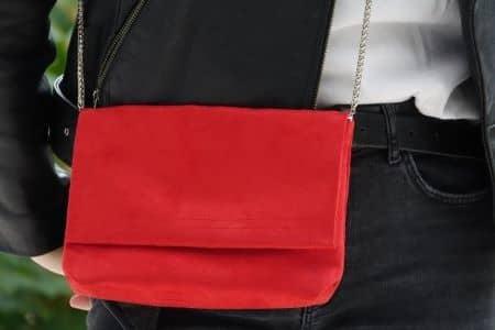 sac pochette à rabat suédine rouge aloée