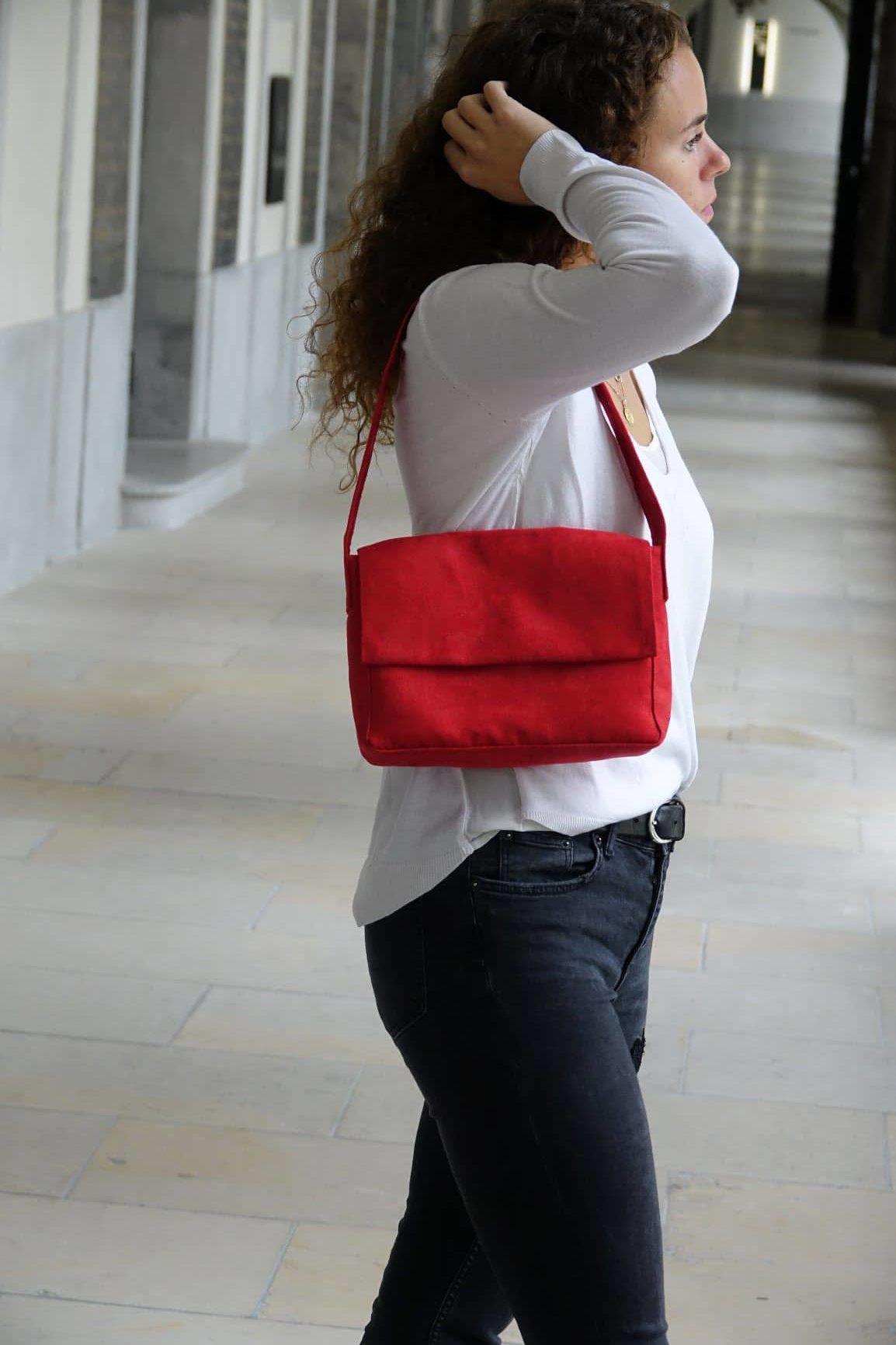 sac baguette suédine rouge aloée