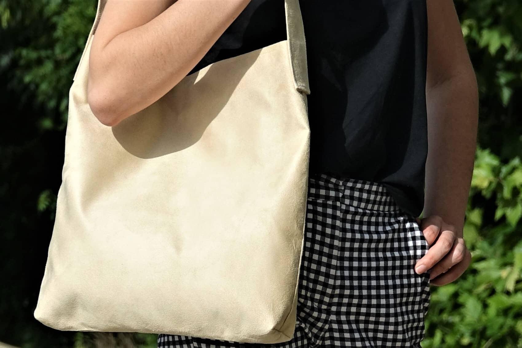 sac hobobag sable blanc suedine aloee 2