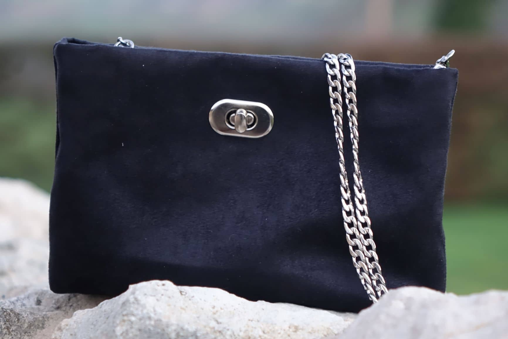 sac pochette suedine noir aloee